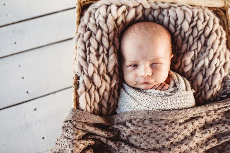 Newborn Lifestyle Studio Session | www.julielivermorephotography.com
