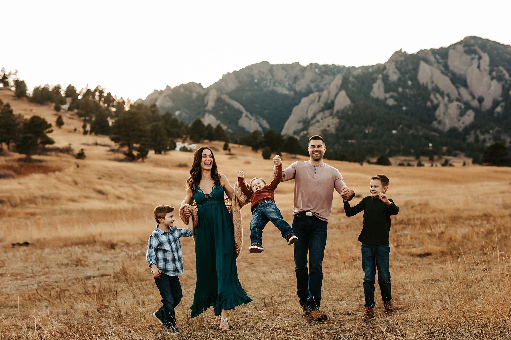 Boulder Flatiron Family Photographer | www.julielivermorephotography.com