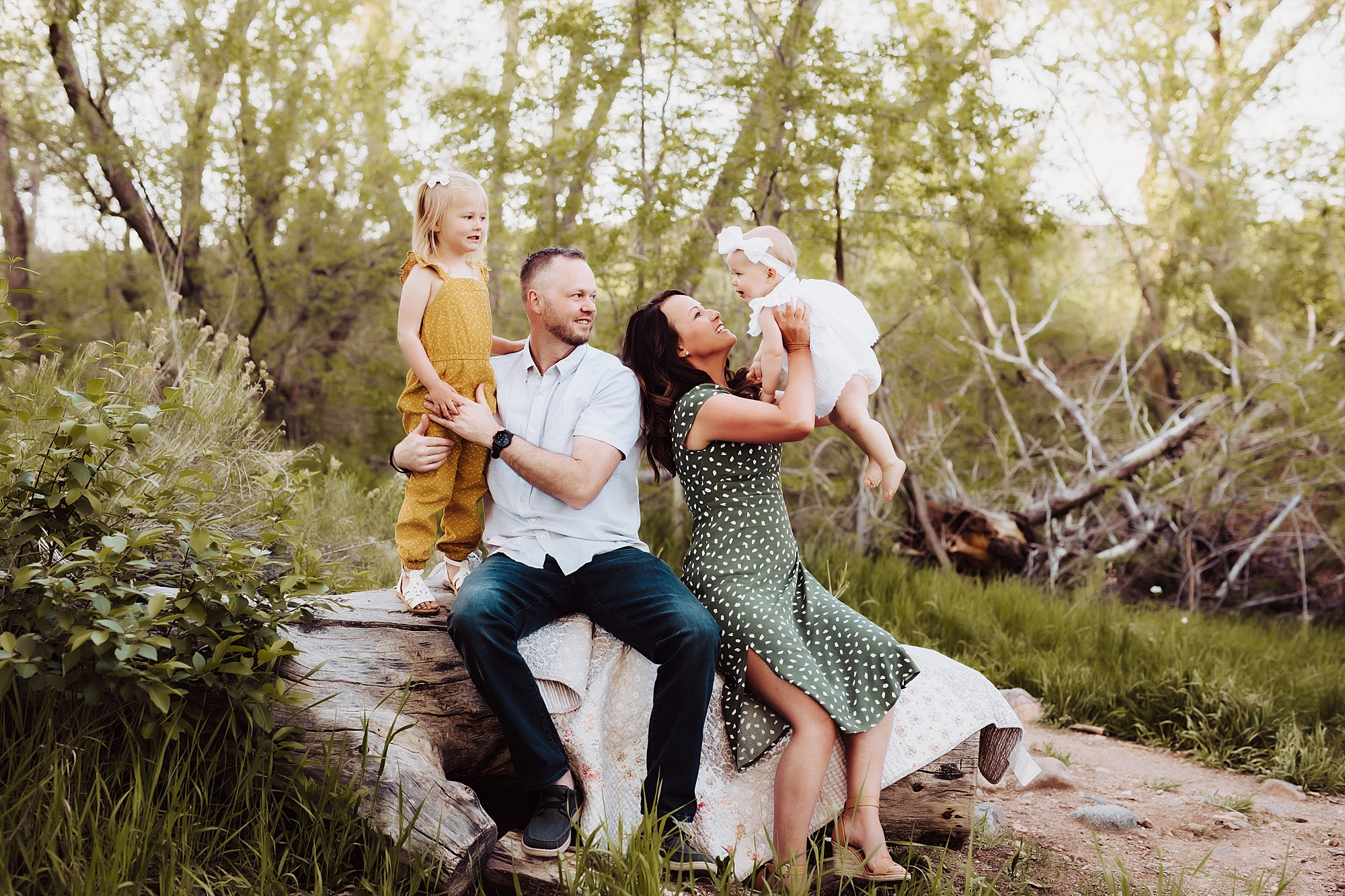 Outdoor Family Photos in Denver | www.julielivermorephotography.com
