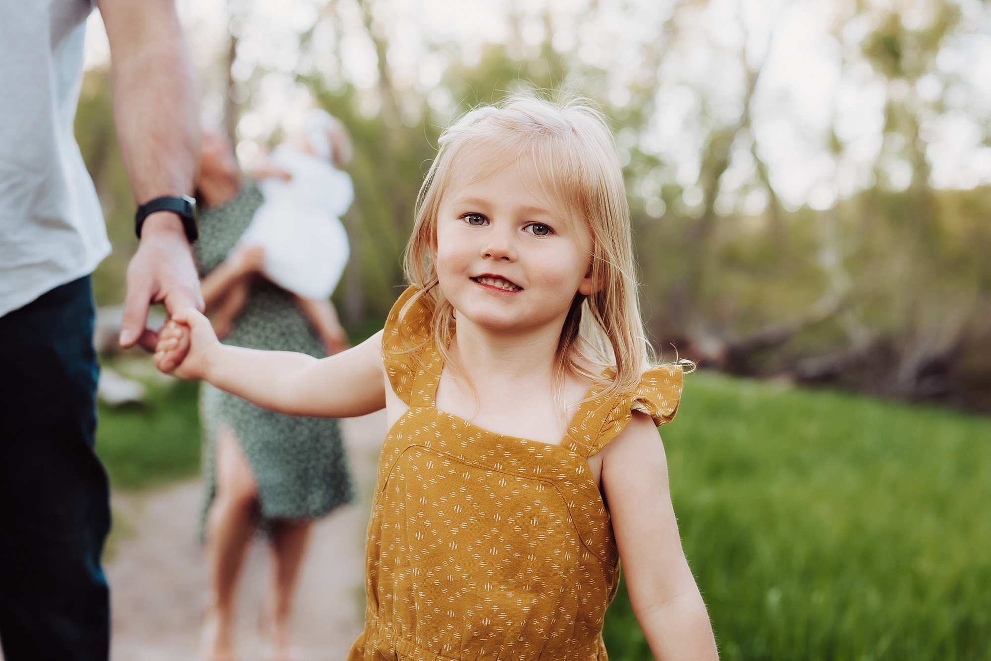 Outdoor Family Photos in Broomfield | www.julielivermorephotography.com